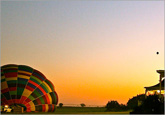 Experience the silent flight in a hot air balloon